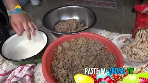 3. PASTE POVESTI PLUS CUPTOR LUIERI.mp4_snapshot_00.54.20